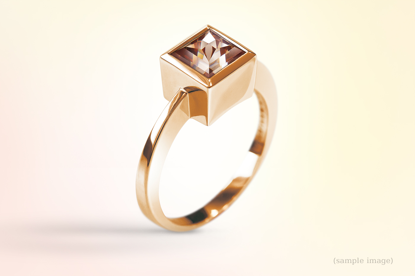 520- Ring gelbgold Edelsteinfarbe rot Damenring