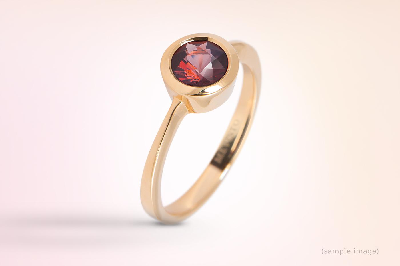 530- Ring gelbgold Ederlsteinfarbe rot Zargenfassung Damenring